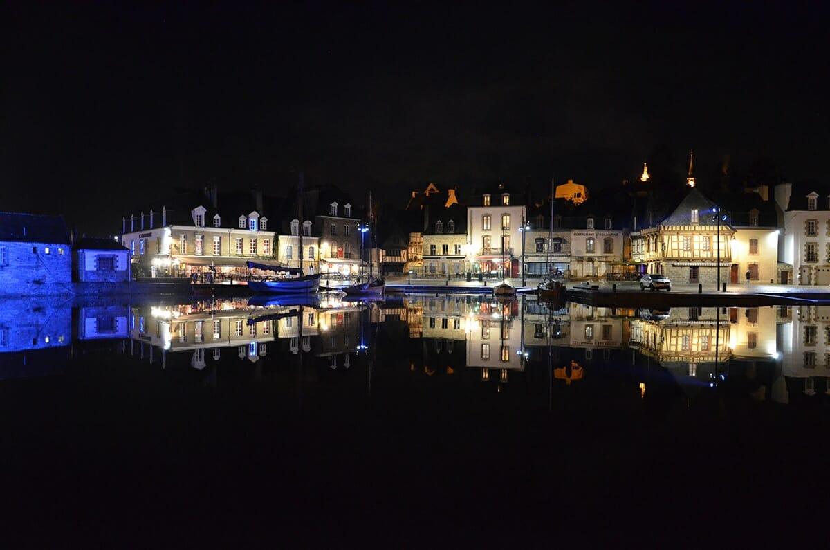 Port de Saint-Goustan de nuit