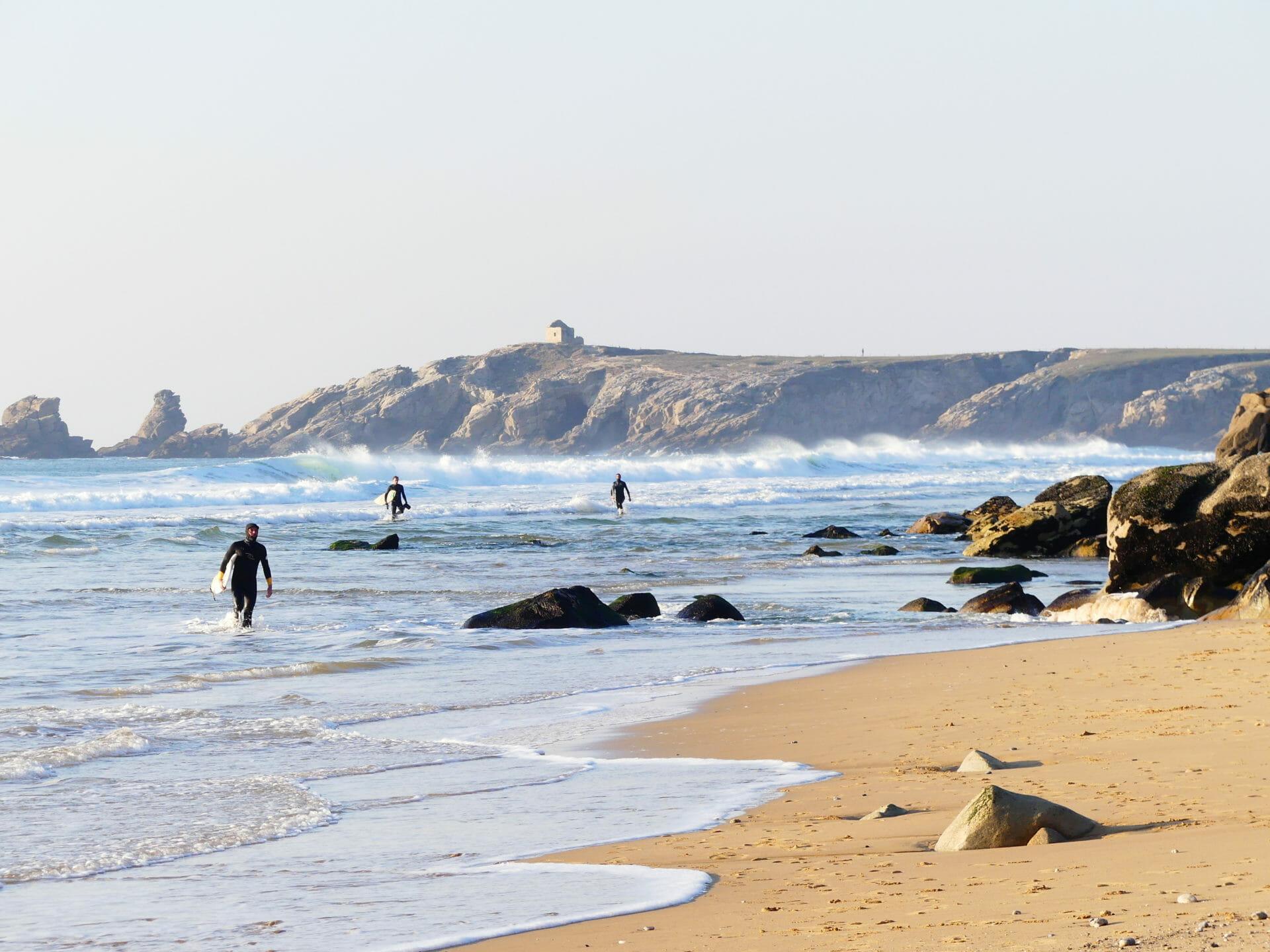 Les Mains dans le Sable dans le Golfe Du Morbihan